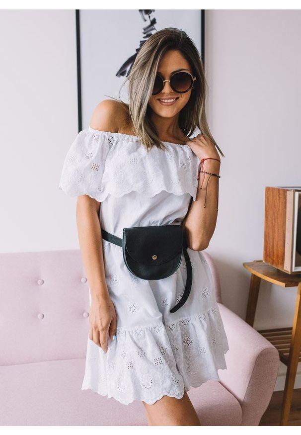 Biała sukienka Fanaberia.com rozkloszowana