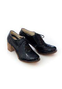 Zapato - sznurowane półbuty na 6 cm słupku - skóra naturalna - model 251 - kolor czarny lakierowany. Kolor: czarny. Materiał: skóra, lakier. Obcas: na słupku