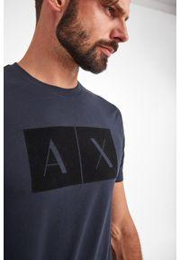 Armani Exchange - T-SHIRT ARMANI EXCHANGE. Długość rękawa: krótki rękaw. Długość: krótkie. Wzór: aplikacja