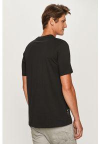Czarny t-shirt adidas Originals na co dzień, casualowy