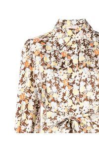 Tory Burch - TORY BURCH - Jedwabna szmizjerka w kwiaty. Kolor: brązowy. Materiał: jedwab. Wzór: kwiaty. Sezon: lato. Typ sukienki: szmizjerki. Styl: klasyczny. Długość: midi