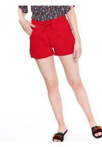 Czerwone szorty DRYWASH na lato, w kolorowe wzory, wakacyjne, krótkie