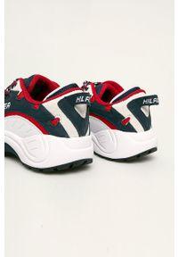 Białe sneakersy Tommy Jeans z cholewką, na sznurówki