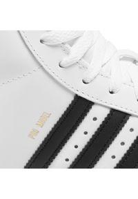 Białe półbuty Adidas z cholewką, na co dzień, klasyczne
