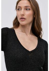 Liu Jo - Sukienka. Okazja: na co dzień. Kolor: czarny. Materiał: dzianina. Typ sukienki: proste, plisowane. Styl: casual