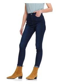 TOP SECRET - Spodnie długie damskie skinny. Okazja: na co dzień. Stan: podwyższony. Kolor: niebieski. Materiał: jeans. Długość: długie. Sezon: wiosna. Styl: klasyczny, sportowy, casual, wizytowy