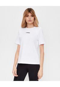 LA MANIA - Biały t-shirt z czarnym nadrukiem. Kolor: biały. Materiał: bawełna, elastan. Wzór: nadruk. Styl: klasyczny