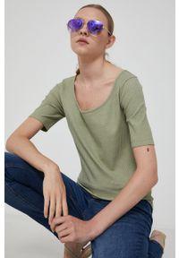 medicine - Medicine - T-shirt Basic. Okazja: na co dzień. Kolor: zielony. Materiał: dzianina. Wzór: gładki. Styl: casual