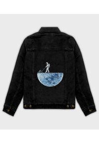 MegaKoszulki - Kurtka jeansowa damska Astronaut. Materiał: jeans. Wzór: nadruk. Sezon: wiosna. Styl: klasyczny