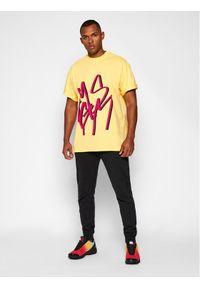 MSGM T-Shirt 2940MM182 207598 Żółty Regular Fit. Kolor: żółty