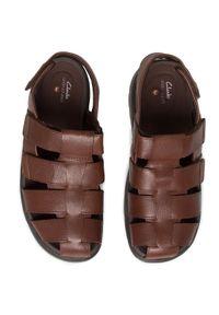 Brązowe sandały Clarks na co dzień, casualowe