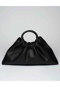 NANUSHKA - Czarna torba Trapeze. Kolor: czarny