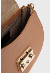 Furla - Torebka skórzana Metropolis. Kolor: brązowy. Materiał: skórzane. Rodzaj torebki: na ramię