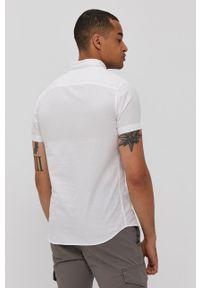 PRODUKT by Jack & Jones - Produkt by Jack & Jones - Koszula. Okazja: na co dzień. Typ kołnierza: kołnierzyk klasyczny. Kolor: biały. Materiał: tkanina. Długość rękawa: krótki rękaw. Długość: krótkie. Wzór: gładki. Styl: klasyczny, casual