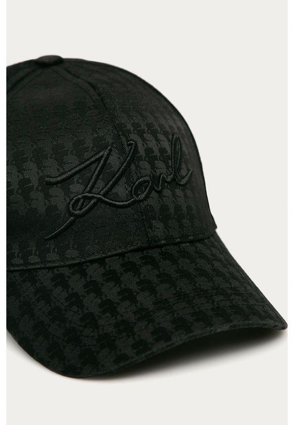 Czarna czapka z daszkiem Karl Lagerfeld z aplikacjami