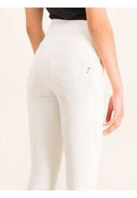 Białe jeansy slim Patrizia Pepe