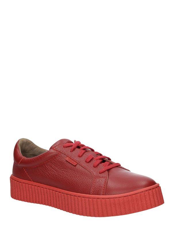 Nessi - creepersy na platformie nessi 17111. Kolor: czerwony. Materiał: skóra. Szerokość cholewki: normalna. Obcas: na platformie. Styl: elegancki