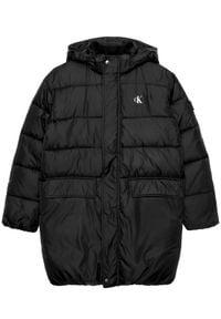 Calvin Klein Jeans Kurtka puchowa Essential IB0IB00558 Czarny Regular Fit. Kolor: czarny. Materiał: puch