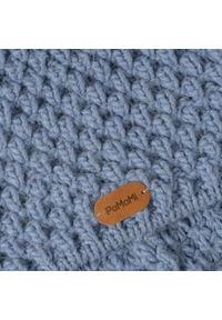 Zimowa czapka damska PaMaMi - Jeansowy. Materiał: poliamid, wełna, akryl. Wzór: ze splotem, aplikacja. Sezon: zima