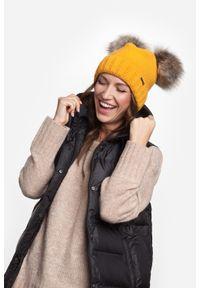Pomarańczowa czapka zimowa PaMaMi sportowa