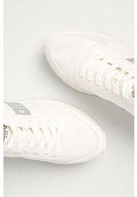 Białe sneakersy Blauer z cholewką, na niskim obcasie, na sznurówki, na obcasie