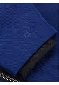 Calvin Klein Jeans Kurtka puchowa Stamp Logo IB0IB00375 Granatowy Regular Fit. Kolor: niebieski. Materiał: puch #2