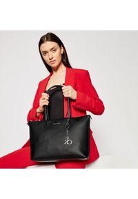 Czarna shopperka Calvin Klein casualowa, skórzana