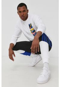 adidas Originals - Longsleeve bawełniany. Okazja: na co dzień. Kolor: biały. Materiał: bawełna. Długość rękawa: długi rękaw. Wzór: nadruk. Styl: casual