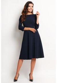 Niebieska sukienka wizytowa Awama elegancka, midi