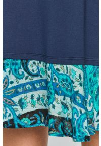 Desigual - Sukienka. Okazja: na co dzień. Kolor: niebieski. Długość rękawa: krótki rękaw. Typ sukienki: proste. Styl: casual