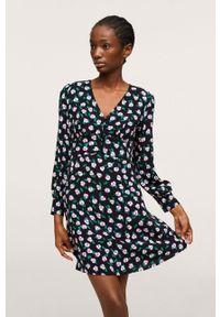 mango - Mango - Sukienka Loreto. Okazja: na co dzień. Kolor: czarny. Materiał: włókno, tkanina. Długość rękawa: długi rękaw. Typ sukienki: proste. Styl: casual