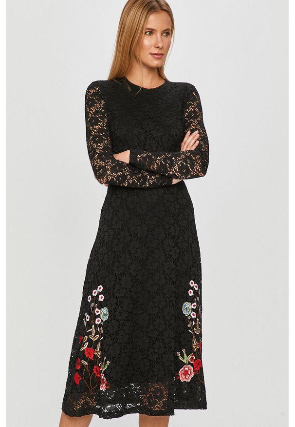 Czarna sukienka Desigual z aplikacjami, casualowa, na co dzień, midi