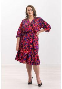 Czarna sukienka Moda Size Plus Iwanek elegancka, z falbankami, w kwiaty, na wiosnę
