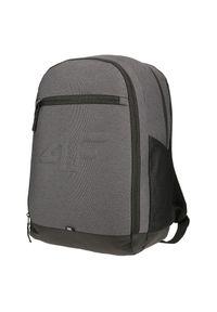 4f - Plecak sportowy 4F 18 L21-PCU006. Kolor: szary. Materiał: materiał, poliester. Styl: sportowy