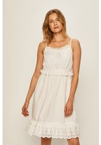 Biała sukienka Jacqueline de Yong na ramiączkach, casualowa