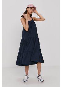 Superdry - Sukienka. Kolor: niebieski. Materiał: dzianina. Długość rękawa: na ramiączkach. Wzór: gładki