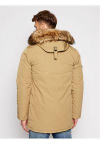 Superdry Kurtka zimowa Everest M5010204A Brązowy Regular Fit. Kolor: brązowy. Sezon: zima