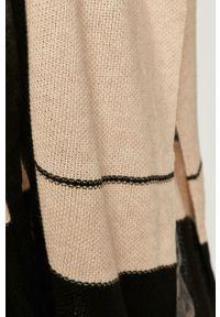Czarny sweter rozpinany Answear Lab wakacyjny