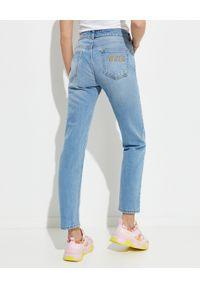 Versace Jeans Couture - VERSACE JEANS COUTURE - Jasnoniebieskie spodnie jeansowe. Kolor: niebieski. Styl: klasyczny