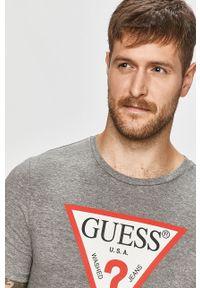 Szary t-shirt Guess Jeans na co dzień, z nadrukiem