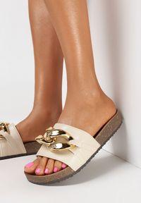 Born2be - Beżowe Klapki Nixishia. Nosek buta: okrągły. Kolor: beżowy. Materiał: guma. Styl: klasyczny