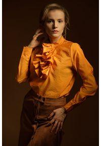 Złota koszula Hultaj Polski z żabotem, na spotkanie biznesowe, na jesień, w kolorowe wzory