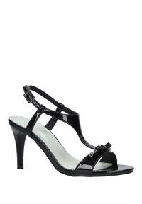 Jezzi - czarne sandały szpilki lakierowane jezzi sa124-1. Kolor: czarny. Materiał: lakier. Szerokość cholewki: normalna. Sezon: lato. Obcas: na szpilce
