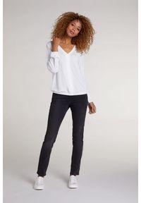 Biała bluzka długa, z długim rękawem