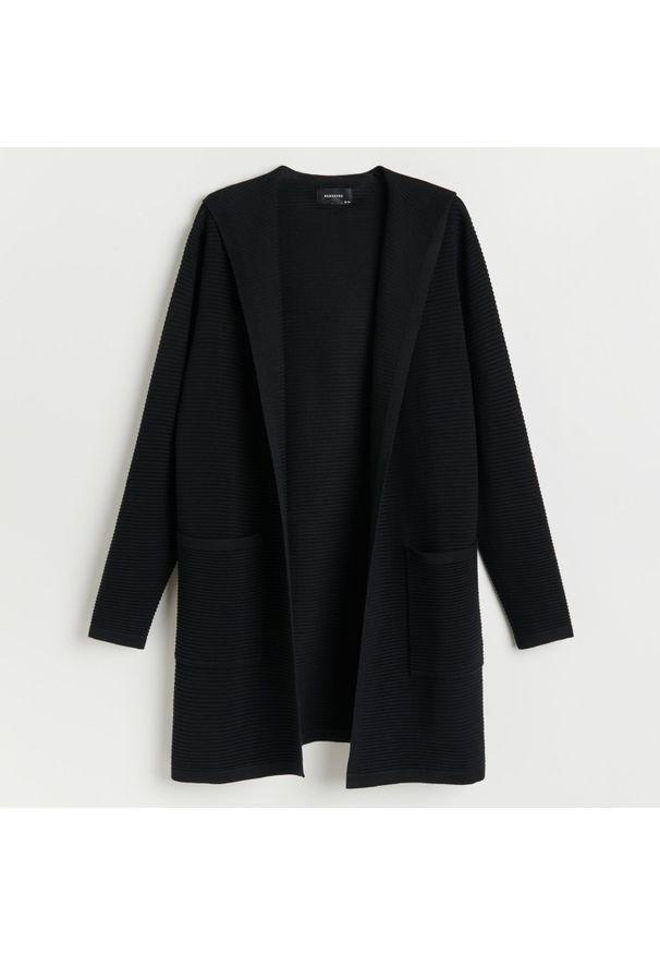 Czarny sweter Reserved z kapturem, długi