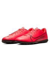 Buty piłkarskie turfy Nike Mercurial Vapor 13 Club TF AT7999. Okazja: na imprezę. Materiał: skóra, guma, syntetyk. Szerokość cholewki: normalna. Sport: piłka nożna