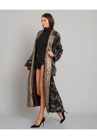 ANJUNA - Jedwabne kimono w panterkę. Kolor: brązowy. Materiał: jedwab. Wzór: motyw zwierzęcy