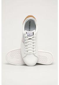 Białe sneakersy Trussardi Jeans na sznurówki, z okrągłym noskiem