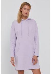 Vero Moda - Sukienka. Typ kołnierza: kaptur. Kolor: fioletowy. Materiał: bawełna, dzianina, materiał. Długość rękawa: długi rękaw. Wzór: gładki