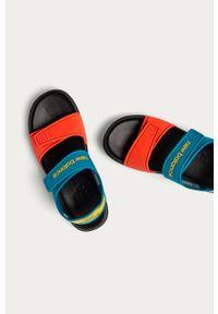 Niebieskie sandały New Balance na rzepy